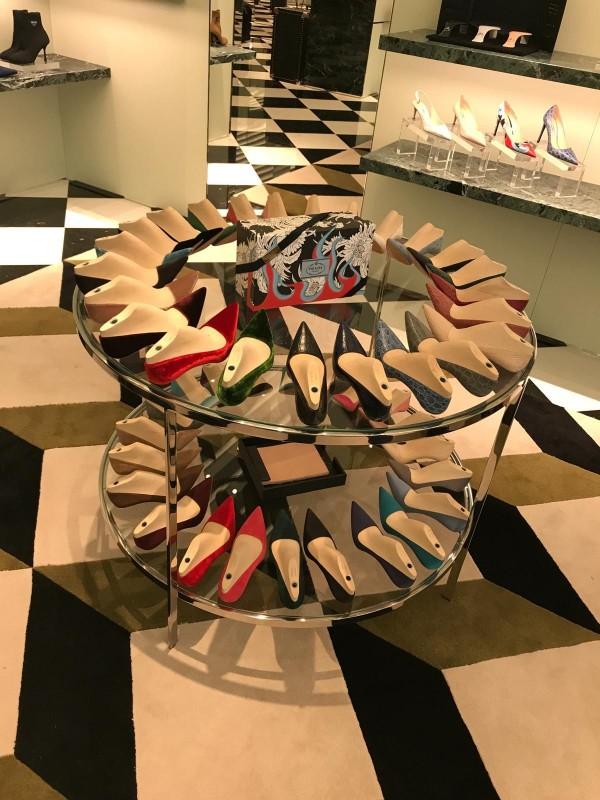 Prada boetiek gepersonaliseerde schoenen