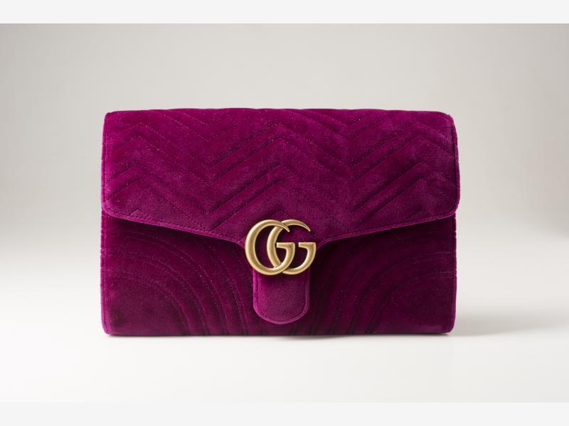 Gucci - GG Marmont velvet clutch